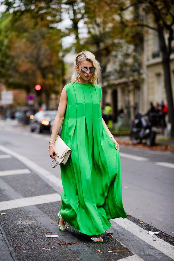 zielona sukienka oversize
