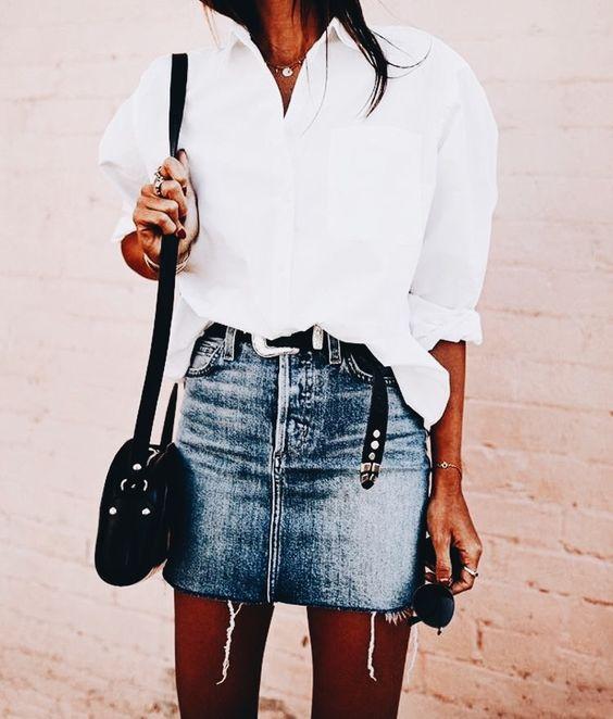 biała koszula i mini spódnica