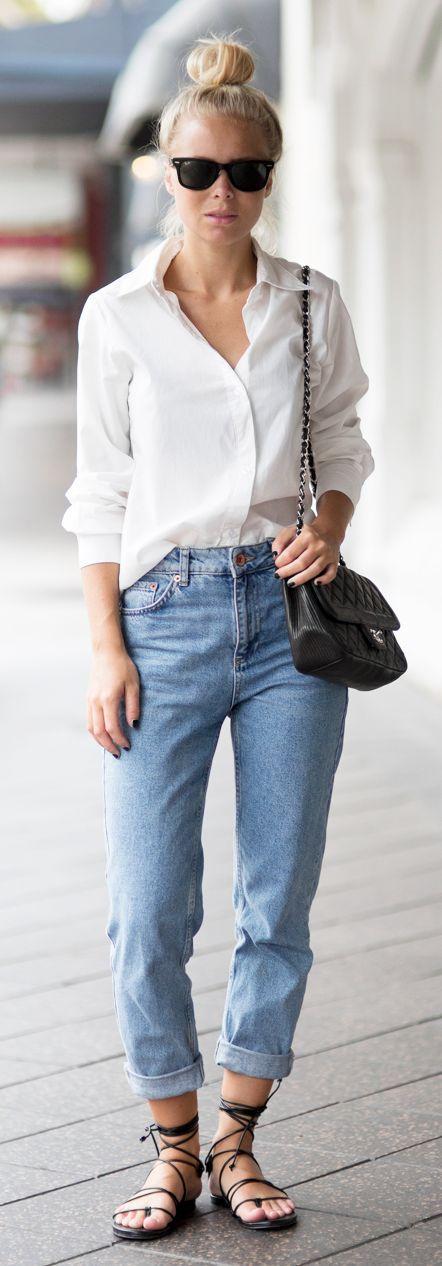 biała koszula i boyfriend jeans