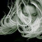 Jak zregenerować włosy po lecie?