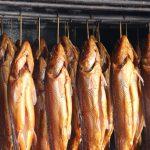 Wędzenie pstrąga – sposób na smaczną rybkę
