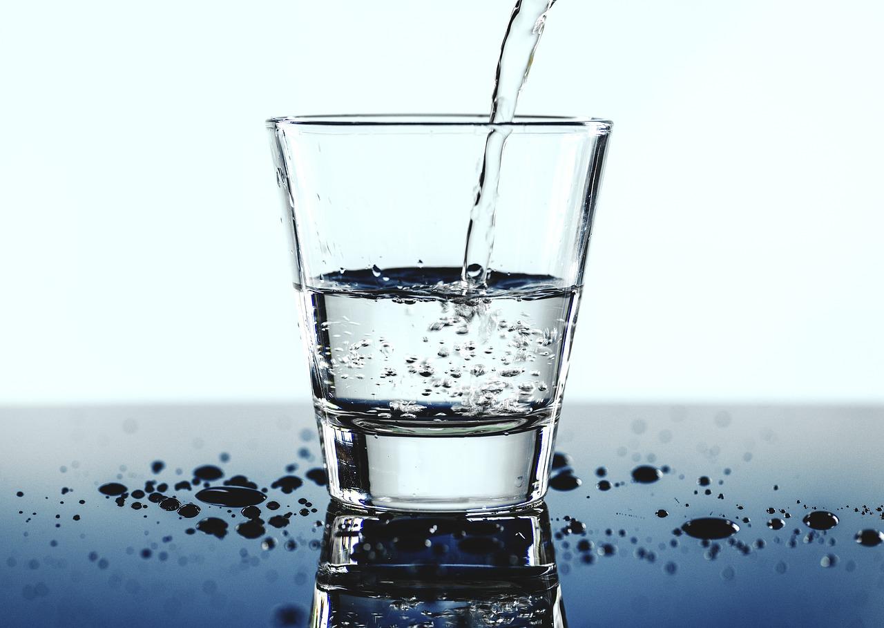 nadmiar wody w organizmie co robić