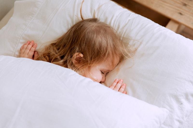 materac dla dziecka nie powinien być zbyt miękki