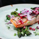 Jak smażyć łososia i inne dania, które warto znać – co należy wiedzieć?